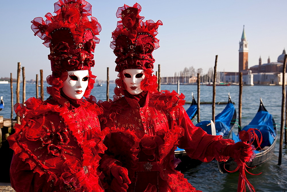 Costumes and masks during Venice Carnival, Venice, UNESCO World Heritage Site, Veneto, Italy, Europe - 819-96