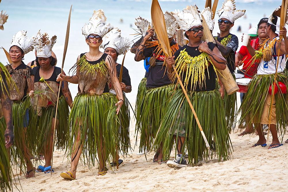 Parade along White Beach during the Ati-Atihan Festival, an annual feast in honour of the Santo Nino, Boracay, Aklan, Philippines, Southeast Asia, Asia