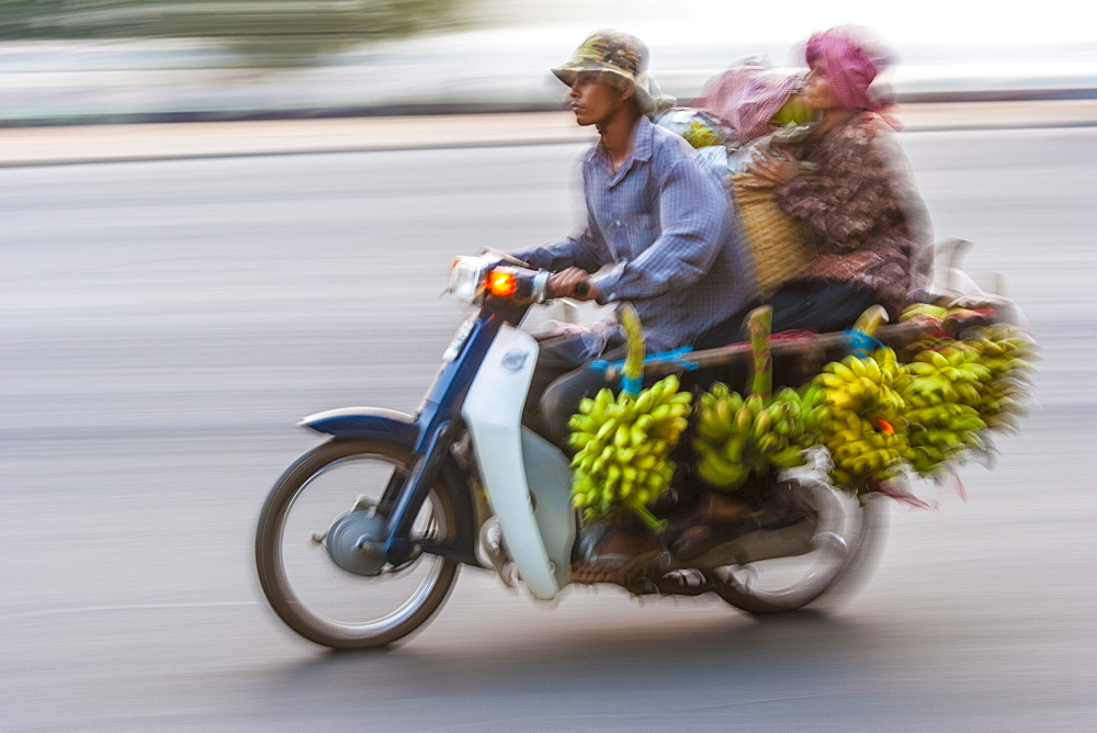 Sisowath Quay, Phnom Penh, Cambodia, Indochina, Southeast Asia, Asia - 821-209