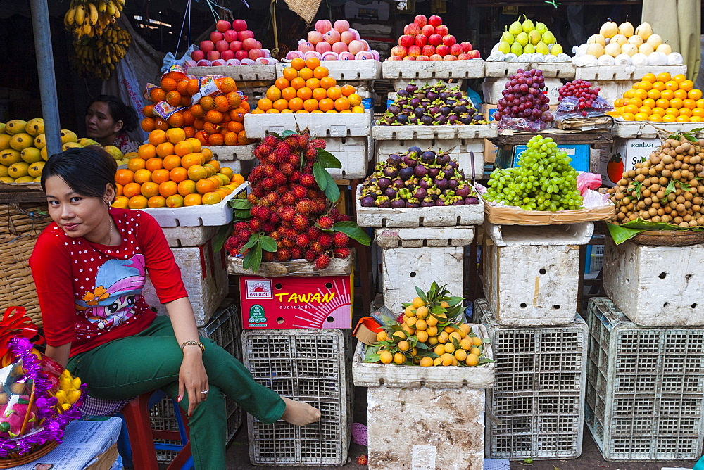 Fruit store, Central Market, Phnom Penh, Cambodia, Indochina, Southeast Asia, Asia - 821-222