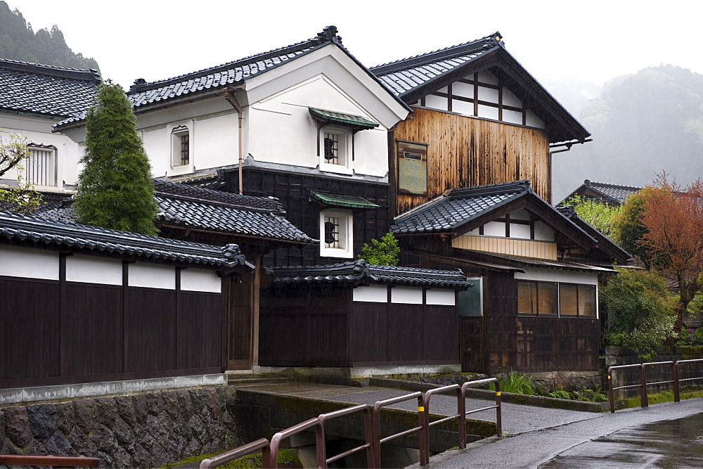 Traditional treasure warehouse (kura), beside single-family residence in Fukui, Japan, Asia - 822-14
