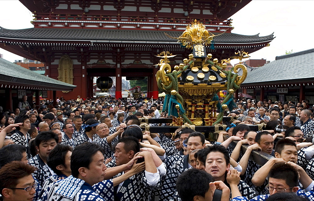 A mikoshi (portable shrine) being carried to Sensoji Temple during the Sanja Festival in Asakusa, Tokyo, Japan, Asia - 822-287