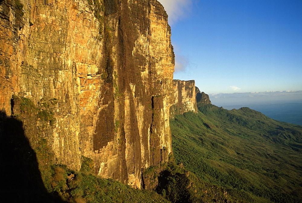 Southwestern cliff from ascent ledge, Mount Roraima (Cerro Roraima), Tepuis, Estado Bolivar, Venezuela, South America