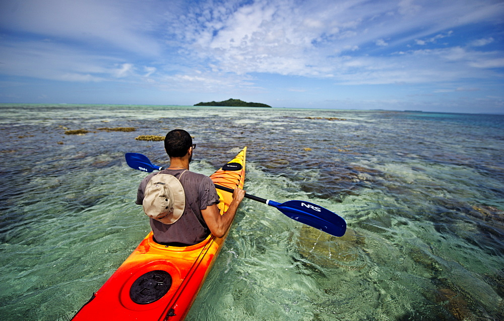 Kayaking in the Raja Ampat Islands, West Papua, Indonesia, New Guinea, Southeast Asia, Asia - 824-172