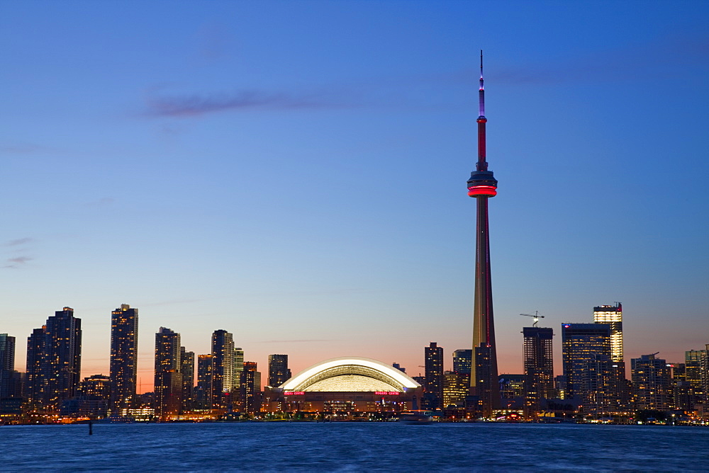 Skyline of downtown Toronto, CN Tower and Rogers Centre, Toronto, Ontario, Canada, North America - 825-207