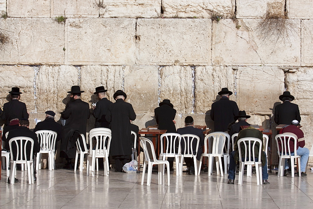 Hasidic Jews praying at the Western Wall, Jerusalem, Israel, Middle East
