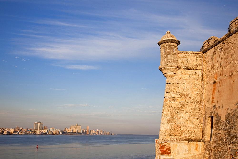 El Morro Fortress (Castillo de los Tres Reyes Magos del Morro) built in 1589, a picturesque fortress guarding the entrance to Havana Bay, Havana, Cuba, West Indies, Central America