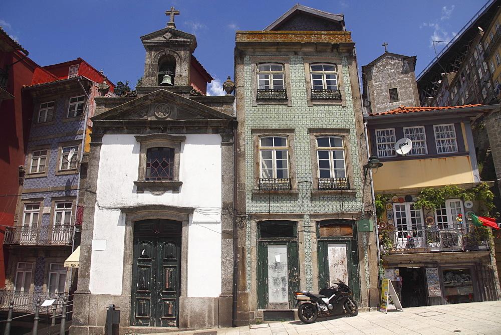 St. Nicholas Chapel (Capelo do Sao Nicolau), in the Ribeira District, UNESCO World Heritage Site, Porto, Douro, Portugal, Europe