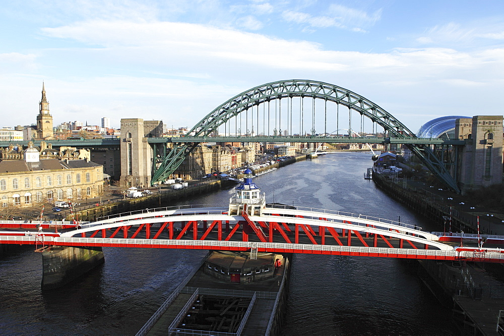 River Tyne, spanned by the Swing Bridge, Tyne Bridge and Millennium Bridge, Newcastle and Gateshead, Tyne and Wear, England, United Kingdom, Europe