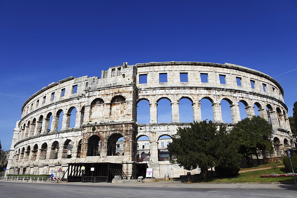 Pula Arena, a Roman amphitheatre, constructed from 27BC to 68AD, Pula, Istria, Croatia, Europe - 826-579