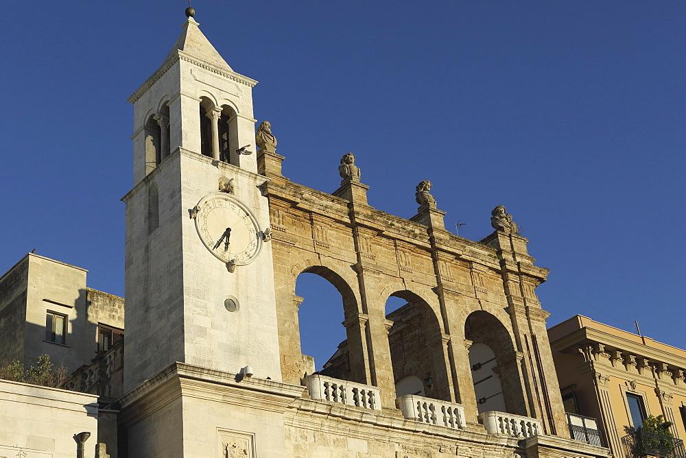 Palazzo del Sedile dei Nobili clock tower, Piazza Mercantile (Market Square), in the Bari Vecchia quarter of Bari, Apulia, Italy, Europe - 826-642