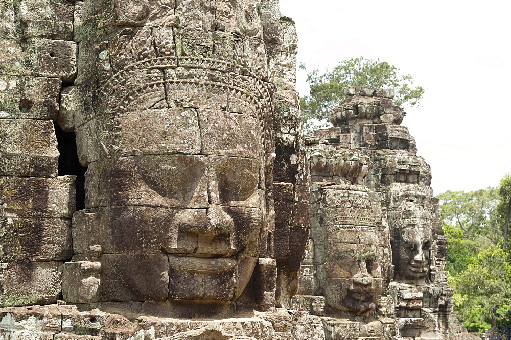 Huge faces carved in stone, Bayon Temple, UNESCO World Heritage Site, Angkor, Siem Reap, Cambodia, Indochina, Southeast Asia, Asia - 827-512