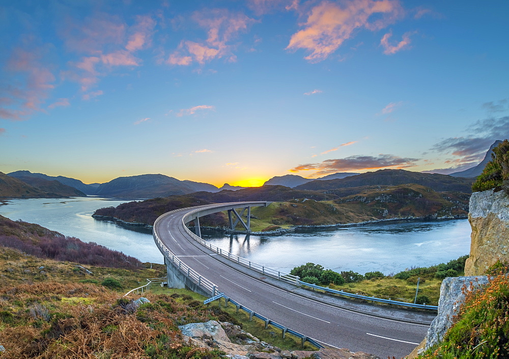 UK, Scotland, Highland, Sutherland, Loch a' Chairn Bhain, Kylesku, Kylesku Bridge, landmark on the North Coast 500 Tourist Route - 828-1069