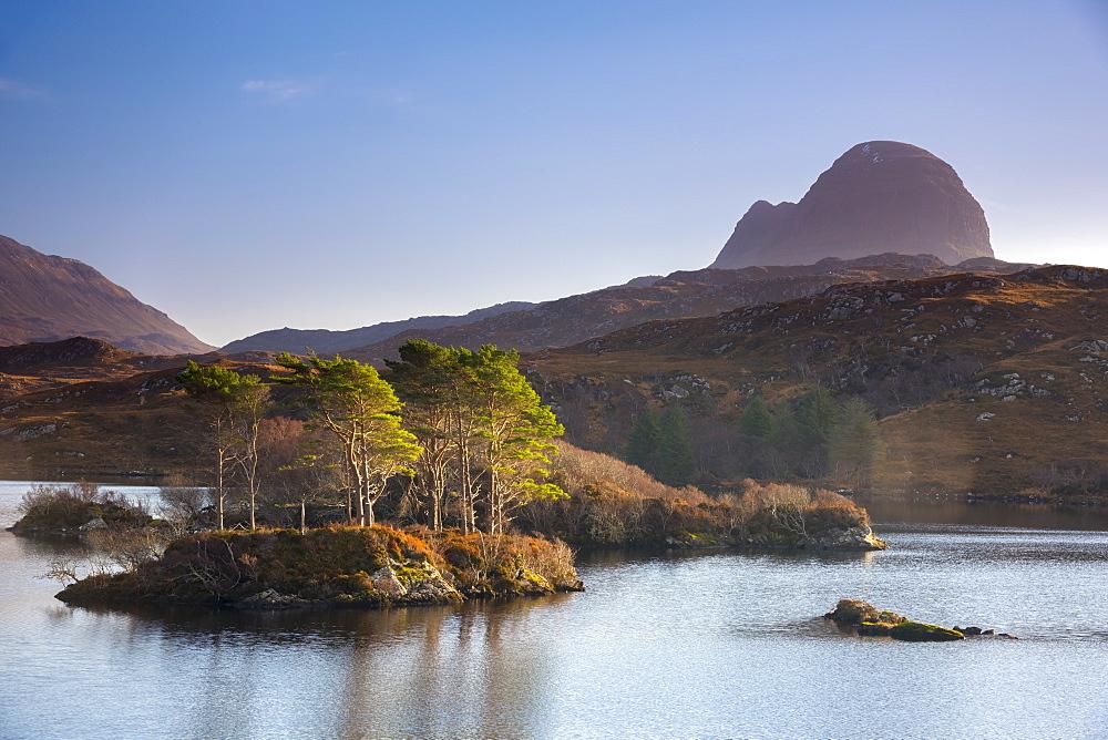 Loch Druim Suardalain, Mount Suilven, Lochinver, Sutherland, Highlands, Scotland, United Kingdom, Europe - 828-1074