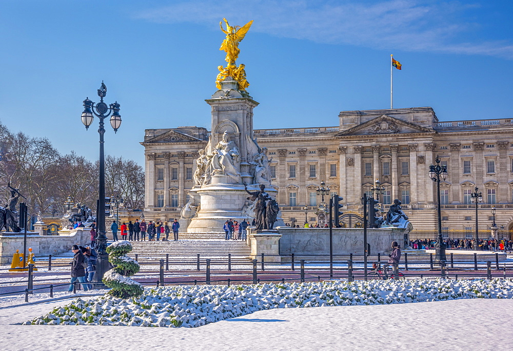 Buckingham Palace under snow, London, England, United Kingdom, Europe - 828-1103