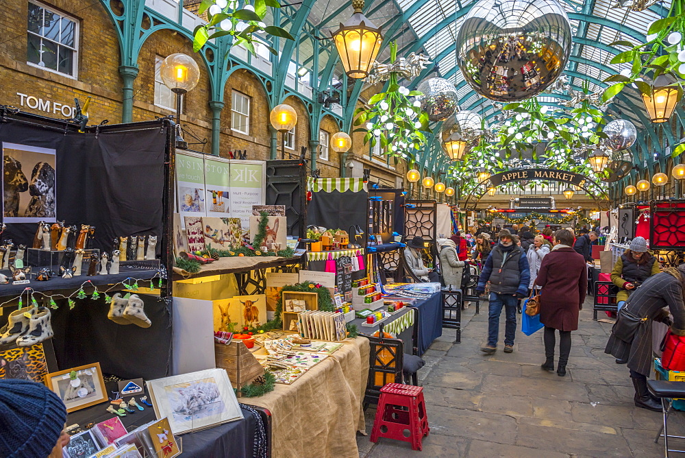 Covent Garden Market at Christmas, London, England, United Kingdom, Europe - 828-1141