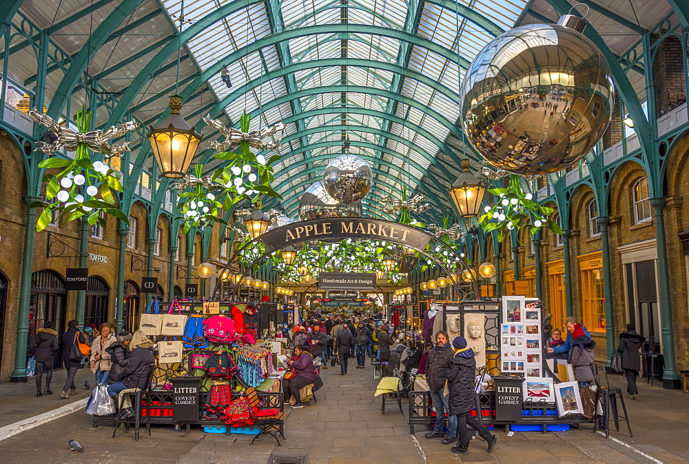 Covent Garden Market at Christmas, London, England, United Kingdom, Europe - 828-1142