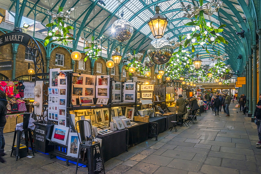 Covent Garden Market at Christmas, London, England, United Kingdom, Europe - 828-1144