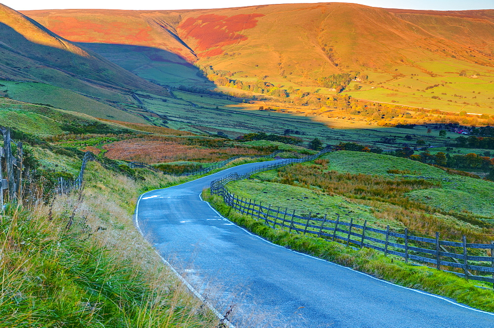 Vale of Edale, Peak District National Park, Derbyshire, England - 828-614