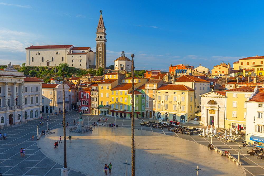Tartinijev trg (Tartini Square), Church of St. George (Cerkev sv. Jurija), Old Town, Piran, Primorska, Slovenian Istria, Slovenia, Europe