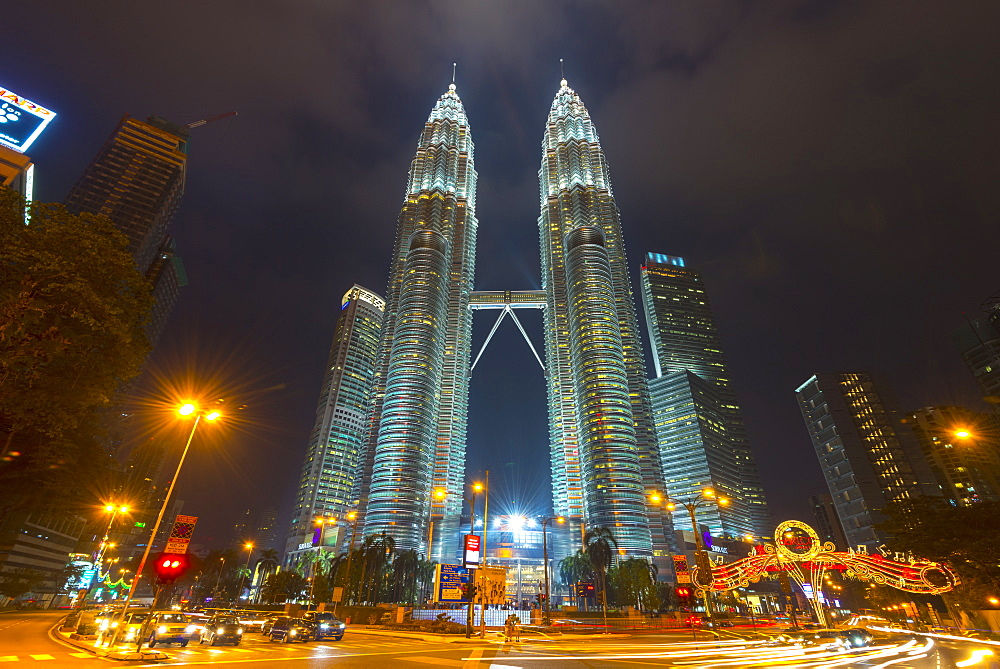 Petronas Towers, Kuala Lumpur, Malaysia, Southeast Asia, Asia