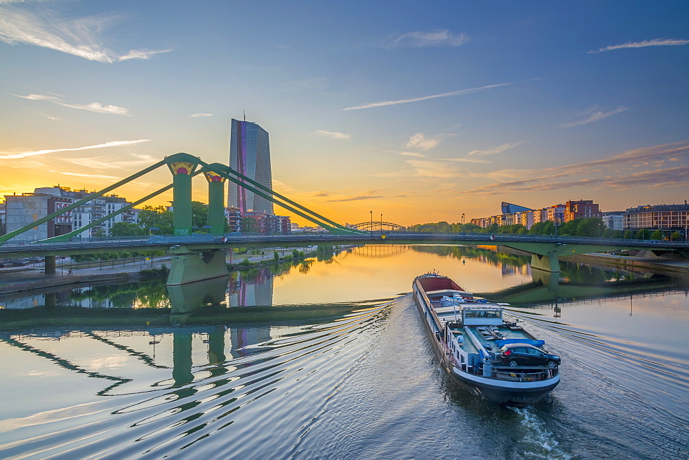 River Main and New European Central Bank Building, Ostend, Frankfurt am Main, Hesse, Germany, Europe