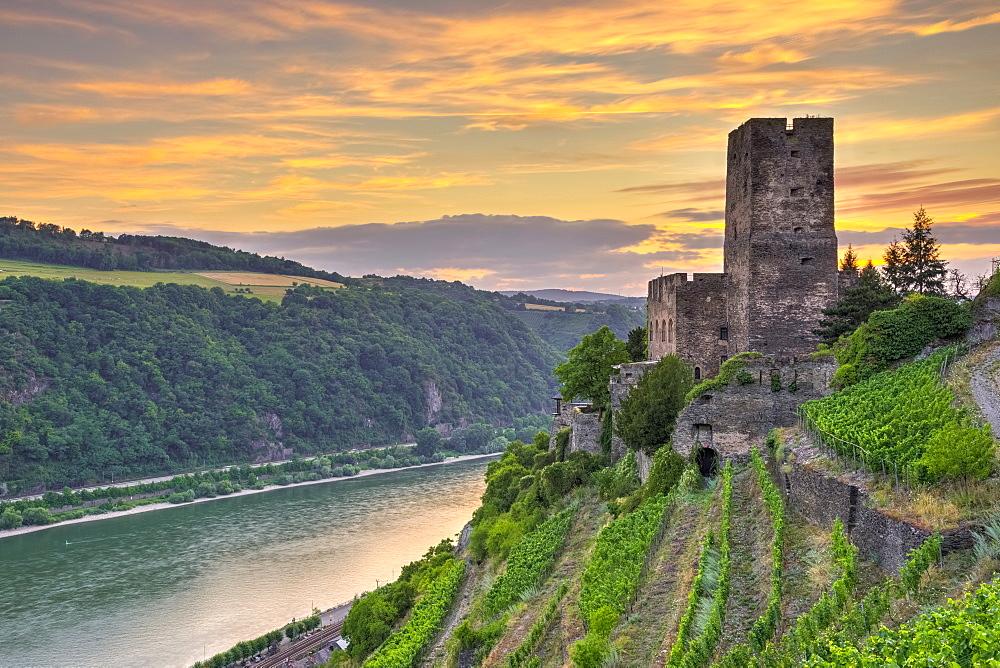 Burg Gutenfels, UNESCO World Heritage Site, and River Rhine, Rhineland Palatinate, Germany, Europe