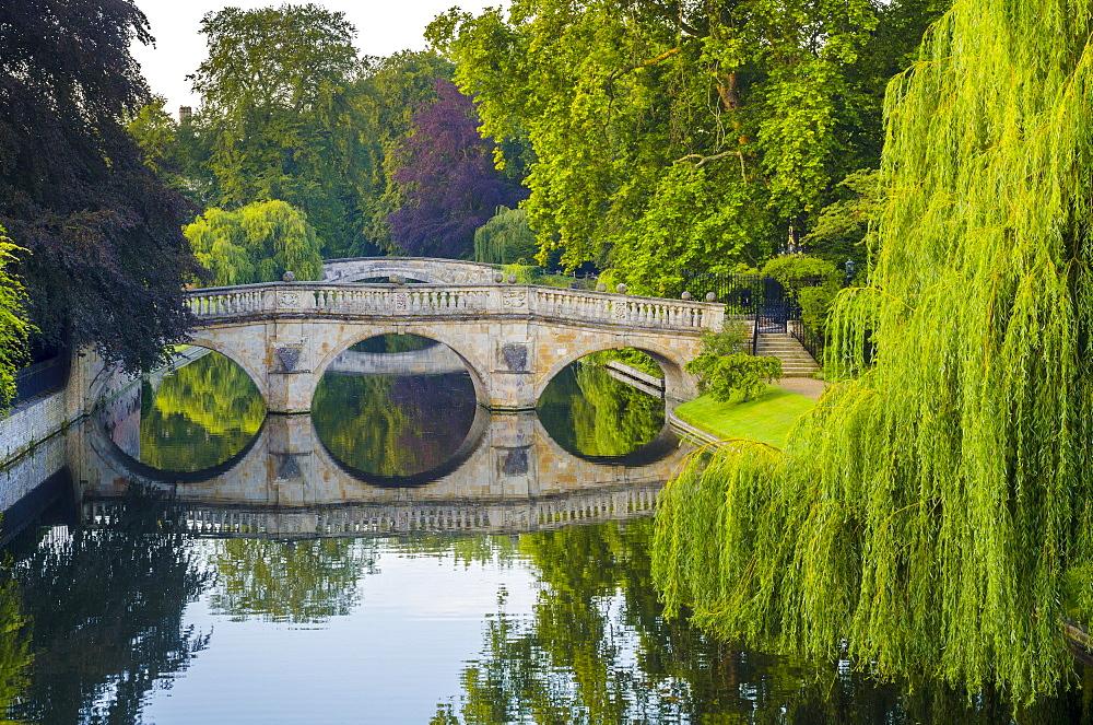 Clare and King's College Bridges over River Cam, The Backs, Cambridge, Cambridgeshire, England, United Kingdom, Europe