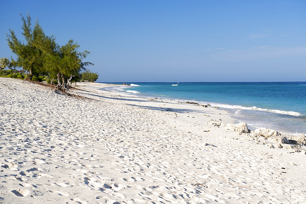 The beach and the Mozambique Channel of the Indian Ocean, Beheloka, southwestern coast of Madagascar, Madagascar, Africa