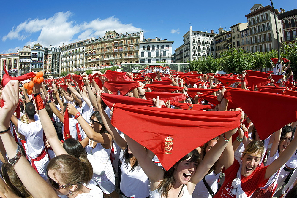 Crowds during the opening ceremony (chupinazo) of the festival of San Fermin (The Running of the Bulls), Pamplona, Navarra, Euskadi, Spain, Europe