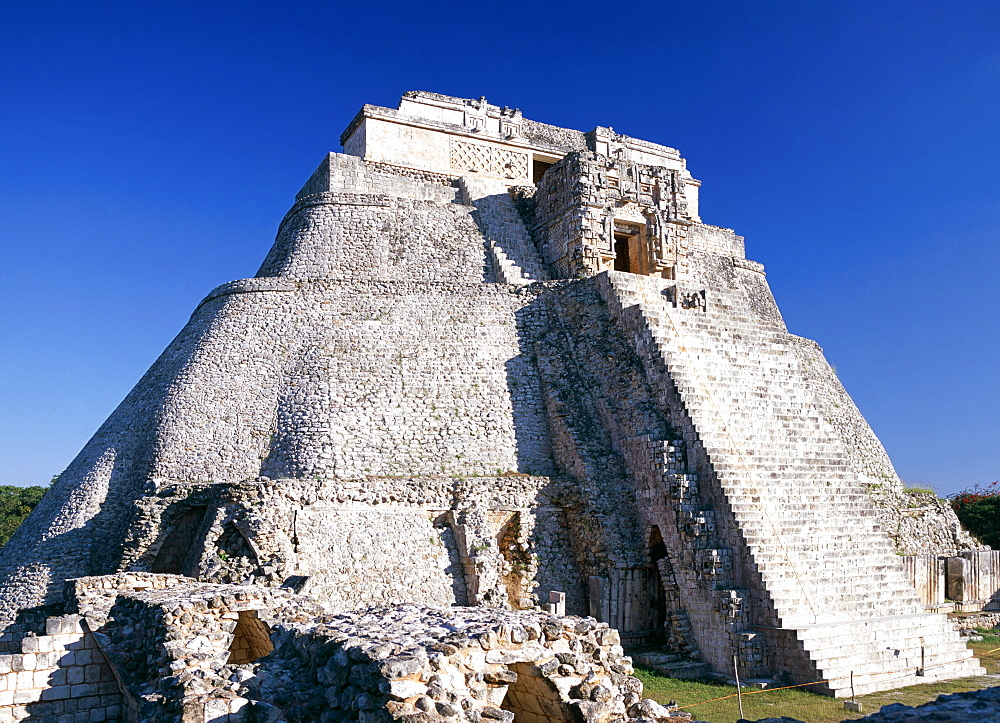 Pyramid of the Magicians, Uxmal Mayan ruins, UNESCO World Heritage Site, Mexico, North America