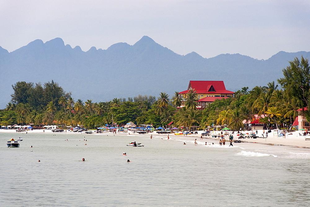 Pantai Cenang beach, Langkawi island, Malaysia. - 829-2182