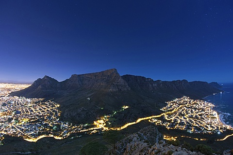 Table Mountain and Cape Town in moonlight. - 829-2204