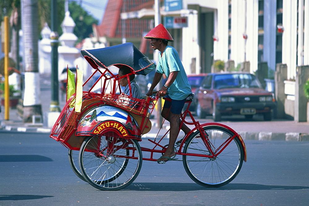 A becak cycle rickshaw in Yogyakarta, Java, Indonesia, Southeast Asia, Asia