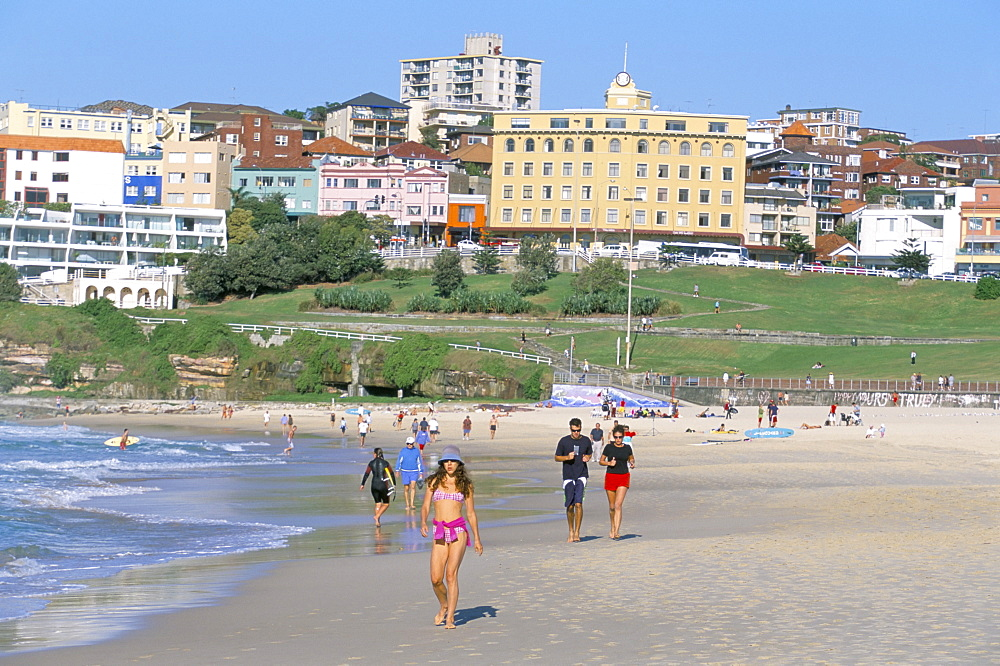 Morning exercises at Bondi beach, Sydney, New South Wales, Australia, Pacific