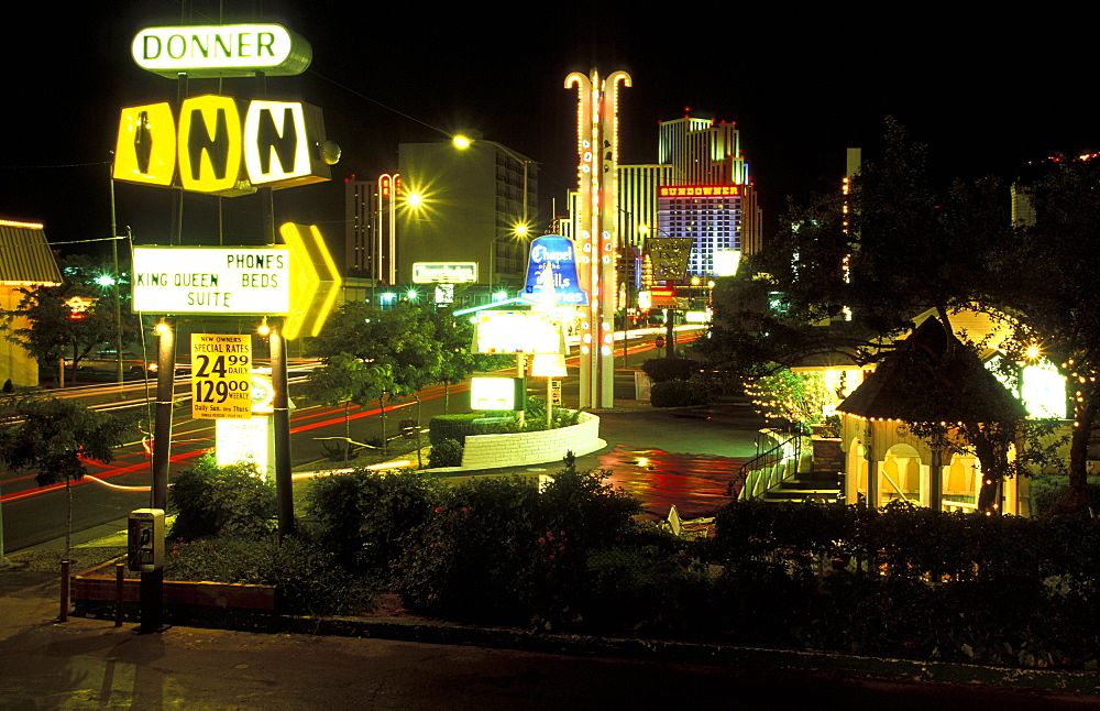 West Fourth Street in Reno, the glitzy little Las Vegas-style gambling city in the far west, Reno, Nevada, United States of America (USA), North America