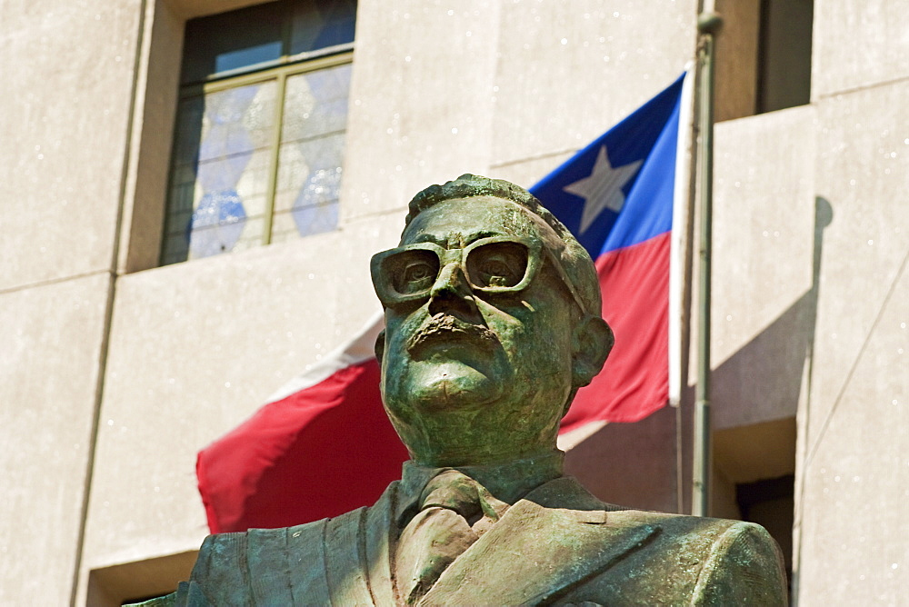 Statue of the late President Salvador Allende, Chile's first socialist leader who died in the military coup against him, in the Plaza de La Constitucion, Civic District, Santiago, Chile, South America