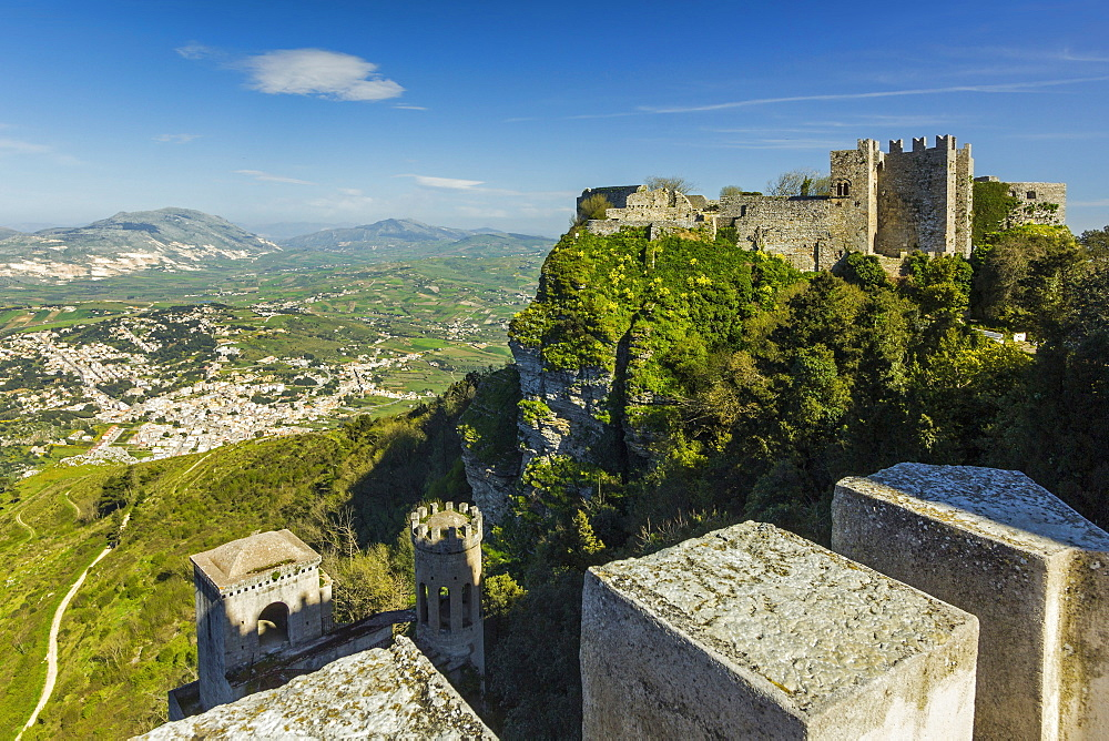 Saracen Arab era Pepoli Castle, now a hotel, in historic town high above Trapani at 750m, Erice, Trapani, Sicily, Italy, Mediterranean, Europe