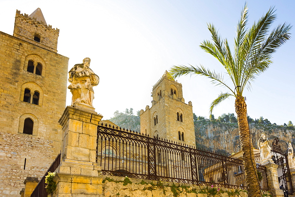 The Duomo, the Norman Cathedral dating from 1131 in this very popular historic tourist town, Cefalu, Palermo Province, Sicily, Italy, Mediterranean, Europe