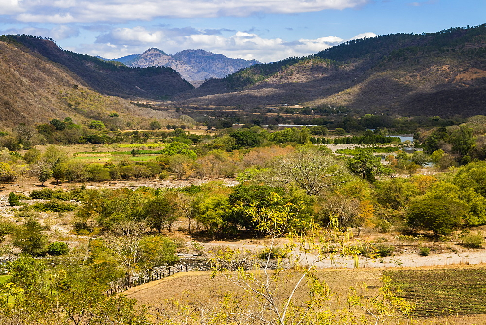 View of the Guayabo Valley where the Coco River opens out below the famous Somoto Canyon, Somoto, Madriz, Nicaragua, Central America
