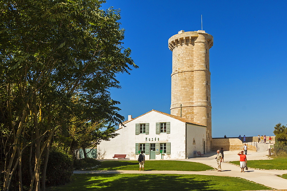 The old Phare des Baleines (Lighthouse of the Whales) dating from 1682 and museum, west tip of the island, Ile de Re, Charente-Maritime, France, Europe - 83-12947