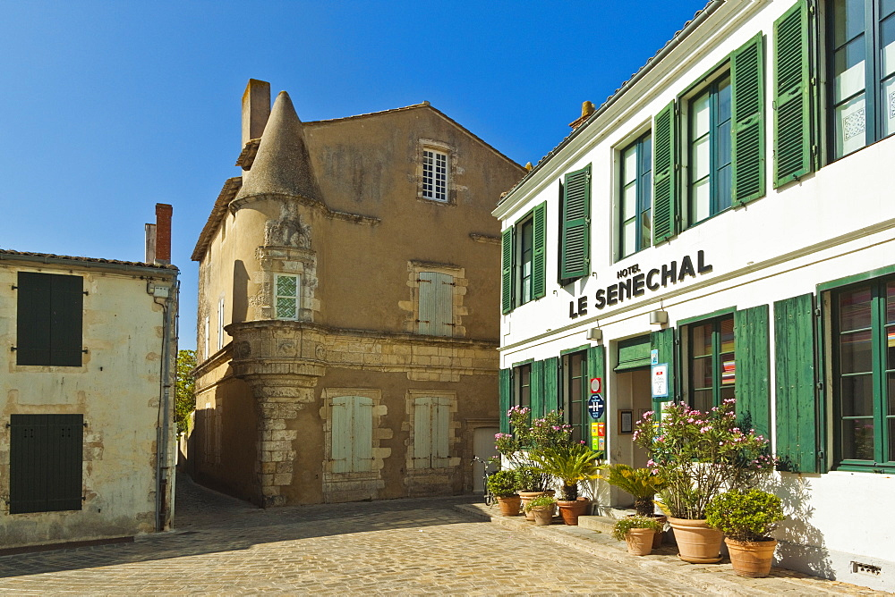Hotel Senechal on Rue Gambetta in the island's principal western town. Ars en Re, Ile de Re, Charente-Maritime, France, Europe - 83-12951