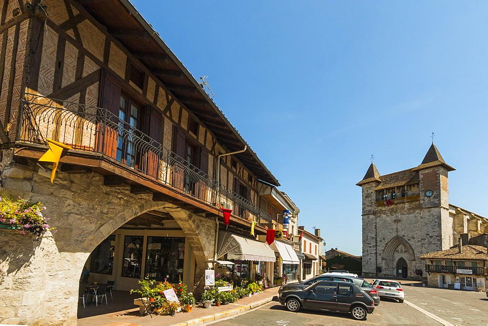 Place de la Liberation & the Church of Notre Dame in this south western historic bastide town. Villeréal; Lot-et-Garonne; France