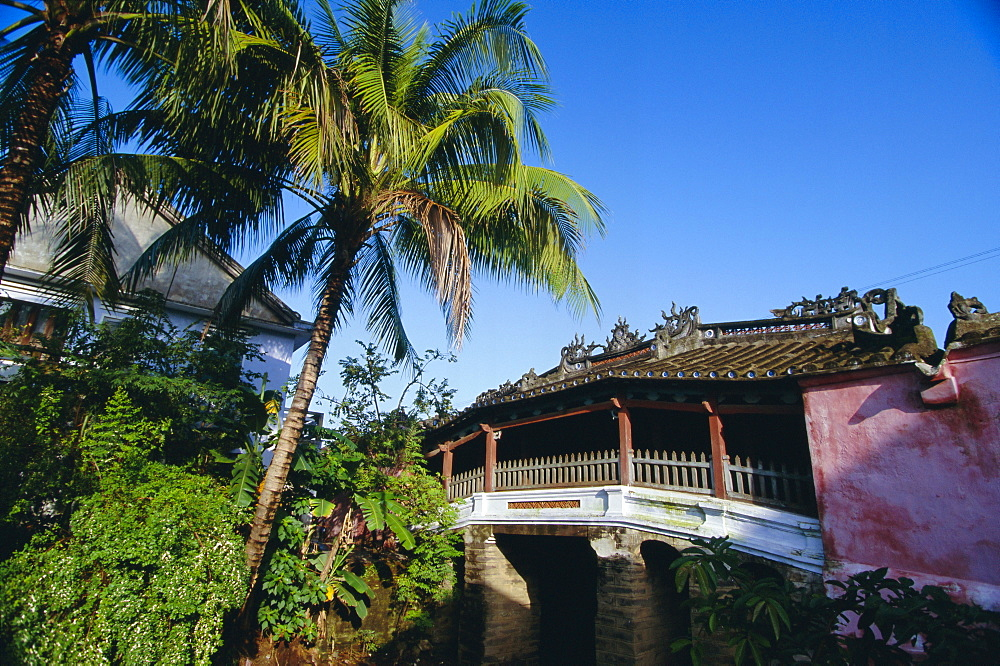 The Japanese covered bridge, first built in 1593, Hoi An, Vietnam, Indochina, Southeast Asia, Asia