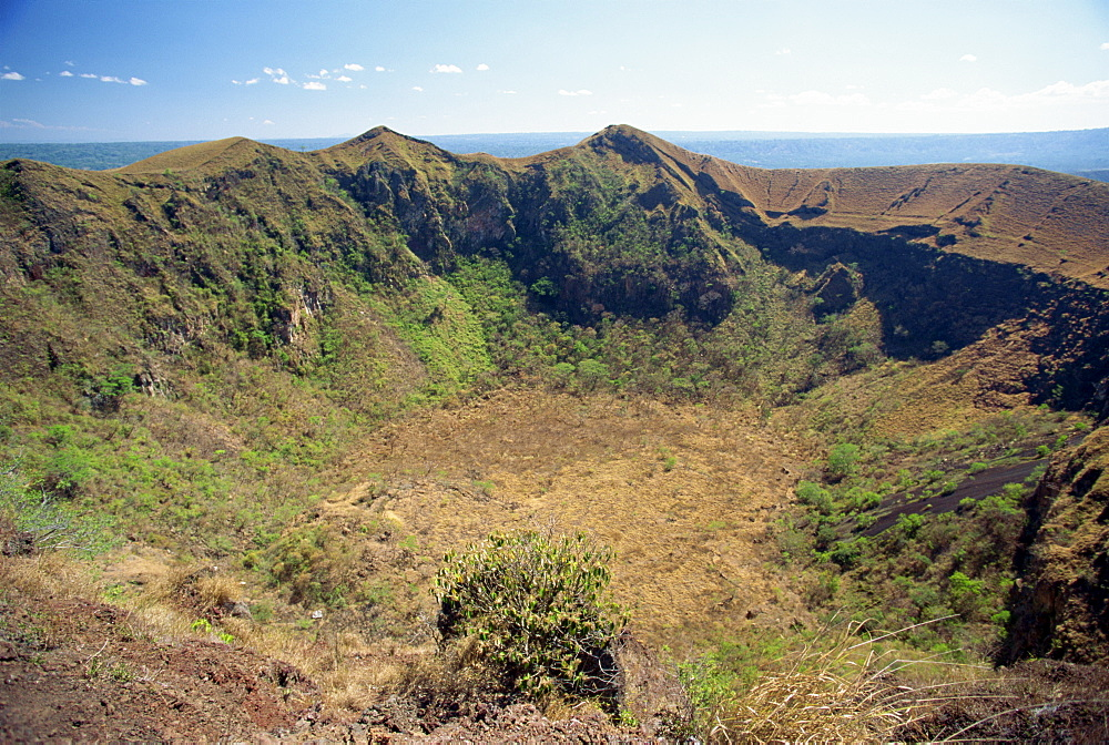 View across the rim of the dormant San Fernando crater of the Volcan Masaya in the Volcan Masay National Park, Nicaragua, Central America