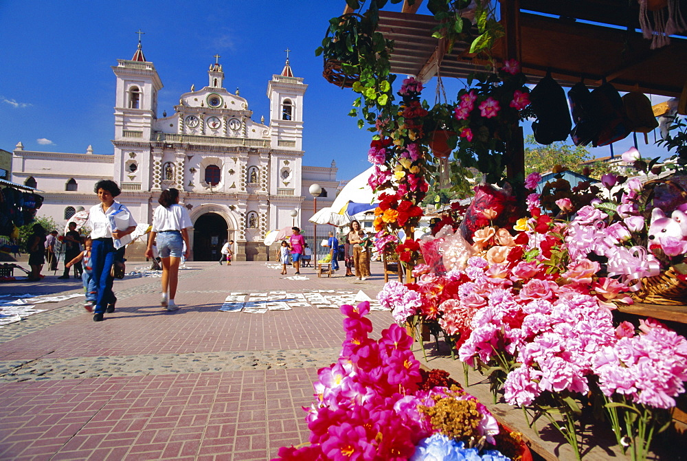 The Church of Virgin de los Dolores and flower stall, Tegucigalpa, Honduras, Central America