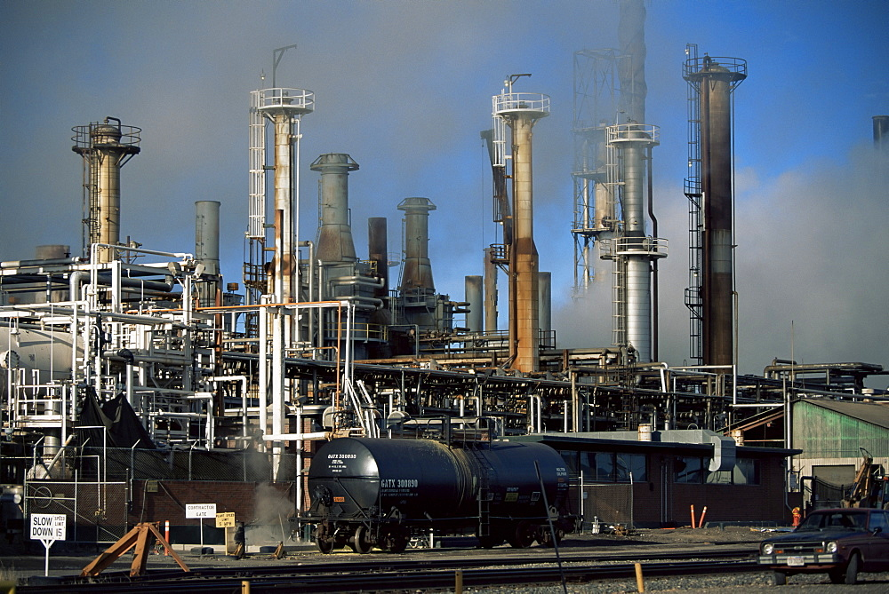 Oil refinery at Laurel, near Billings, Montana, United States of America, North America