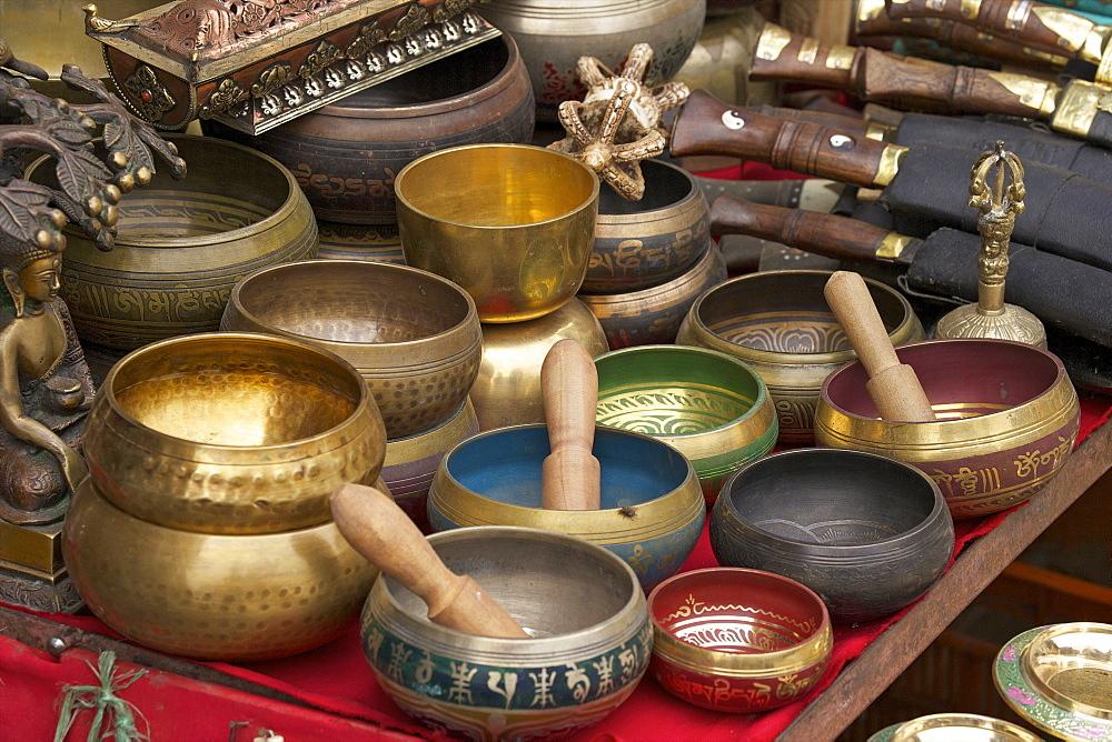 Singing bowls on sale at Swayambhunath Stupa (Monkey Temple), Kathmandu, Nepal, Asia