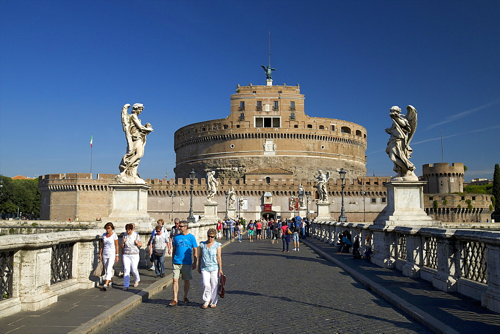 Castel and Ponte Sant'Angelo, dating from 139 AD, Rome, Lazio, Italy, Europe