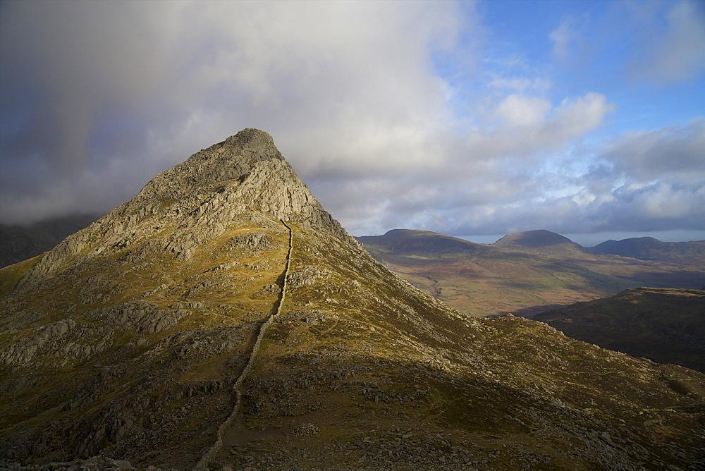 South ridge of Tryfan from Glyder Fach, Snowdonia National Park, Gwynedd, Wales, United Kingdom, Europe